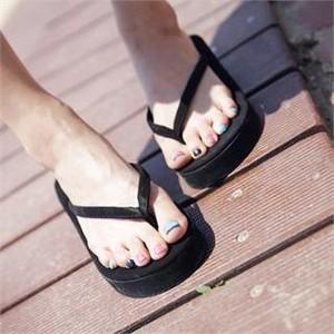Platform Thong Sandals Photos