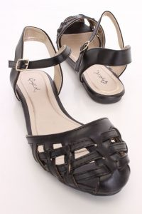 Black Closed Toe Sandals Images