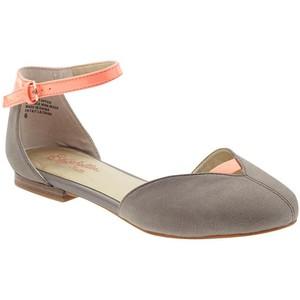 Closed Toe Flat Sandals Images