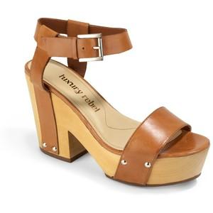 Tan Platform Sandals Pictures